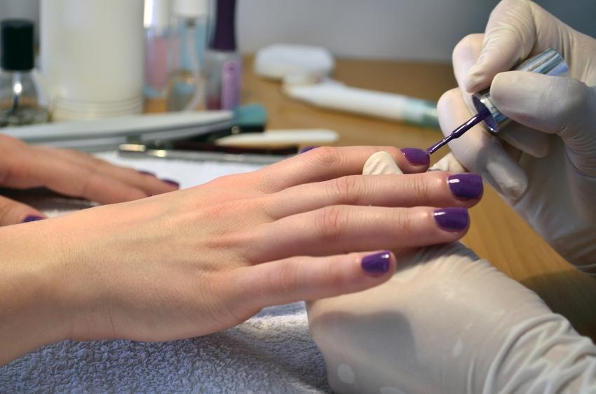 Lakiery do paznokci - czyli piękną być w dobie ftalanów i formaldehydu