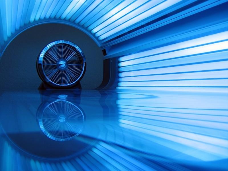 Niebieskie światło - technologia pomocna w leczeniu AZS i chorób immunologicznych