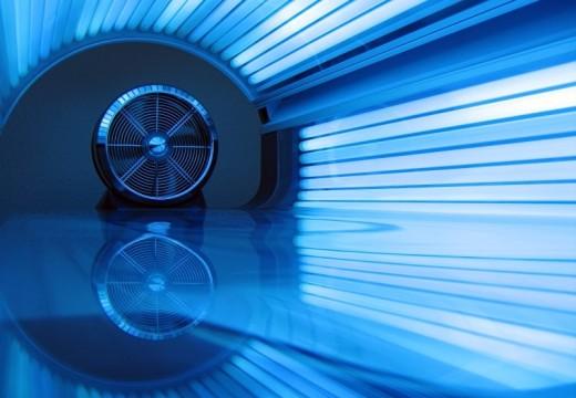 Niebieskie światło – technologia pomocna w leczeniu AZS i chorób immunologicznych