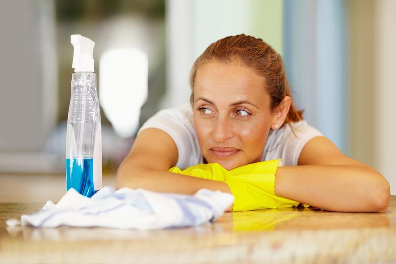 Jak czyścić meble bez detergentów?