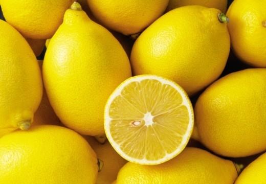 Sok z cytryny zamiast detergentów