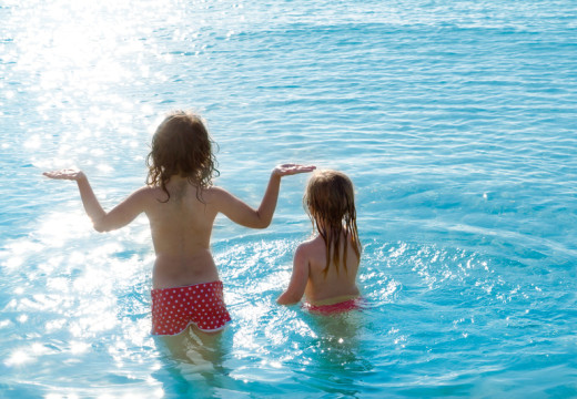 Czy dziecko z alergią może chodzić na basen?