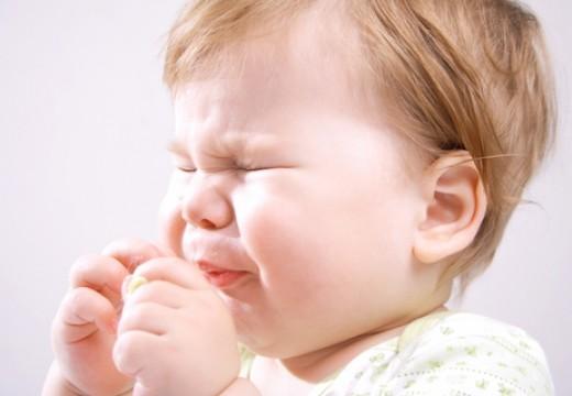 Dziecko kicha – czy to katar alergiczny?
