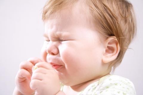 Dziecko kicha - czy to katar alergiczny?
