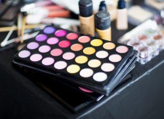 Makijażowe triki, które pozwolą ci ukryć wysypkę alergiczną