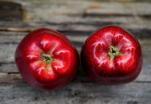 Co wspólnego ma alergia na pyłki z uczuleniem na owoce?
