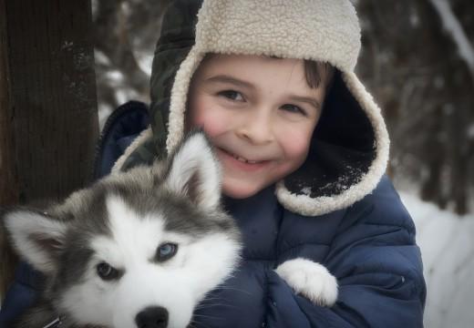 Zimowy spacer z dzieckiem