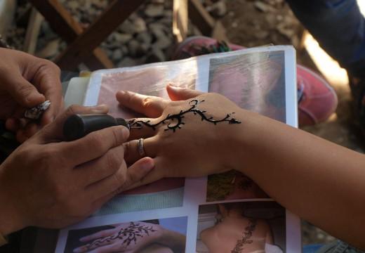 Niebezpieczne tatuaże z henny