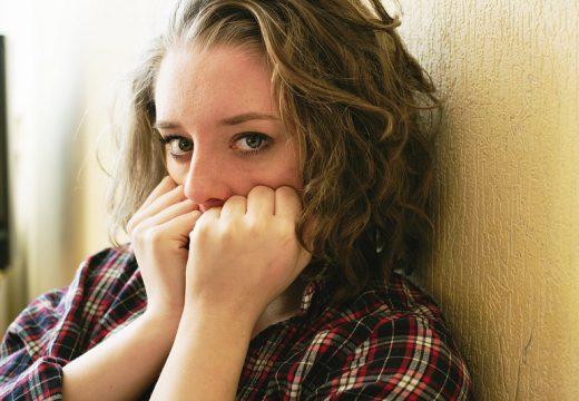 Atopowe zapalenie skóry twarzy – przyczyny i objawy