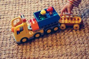 jak dbać o zabawki alergika