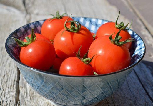Alergia na pomidory – na jakie produkty musisz uważać?