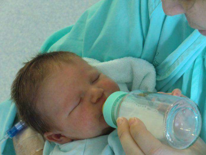 Rodzaje mleka modyfikowanego - na co zwrócić uwagę przy ich wyborze