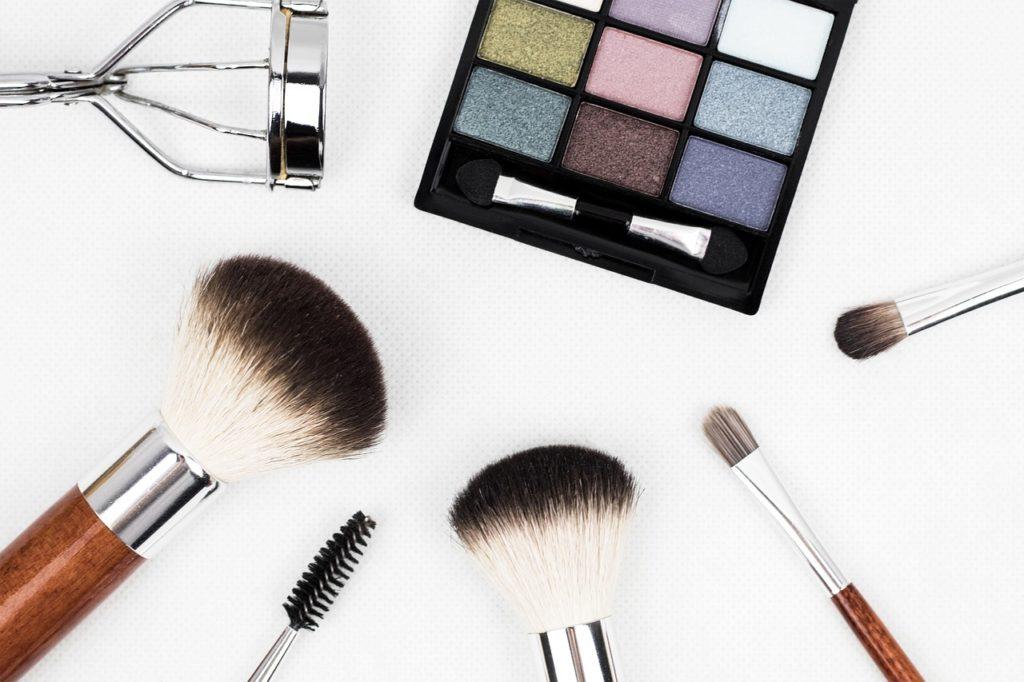 Dlaczego nie warto kupować kosmetyków na bazarku