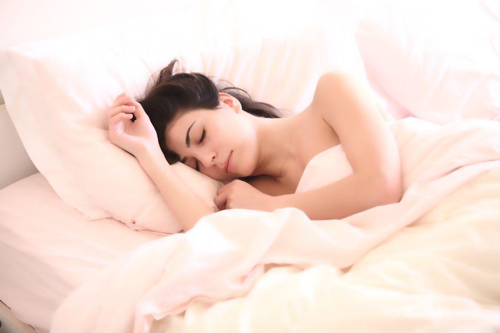 Jak się rozbudzić w pochmurny poranek