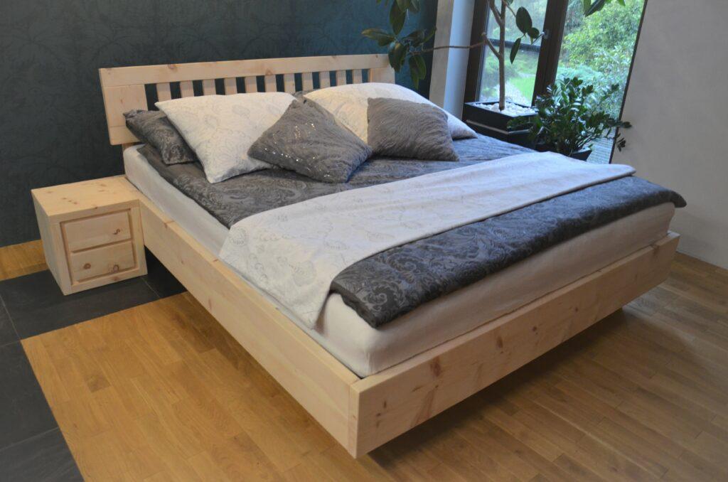 łóżko z drewna limby