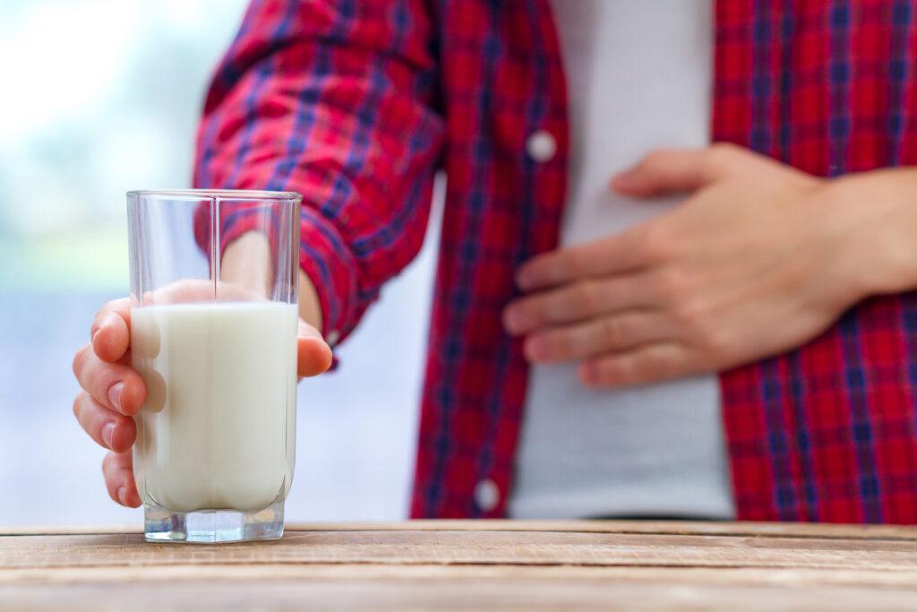 Czy mleko bez laktozy powoduje wzdęcia