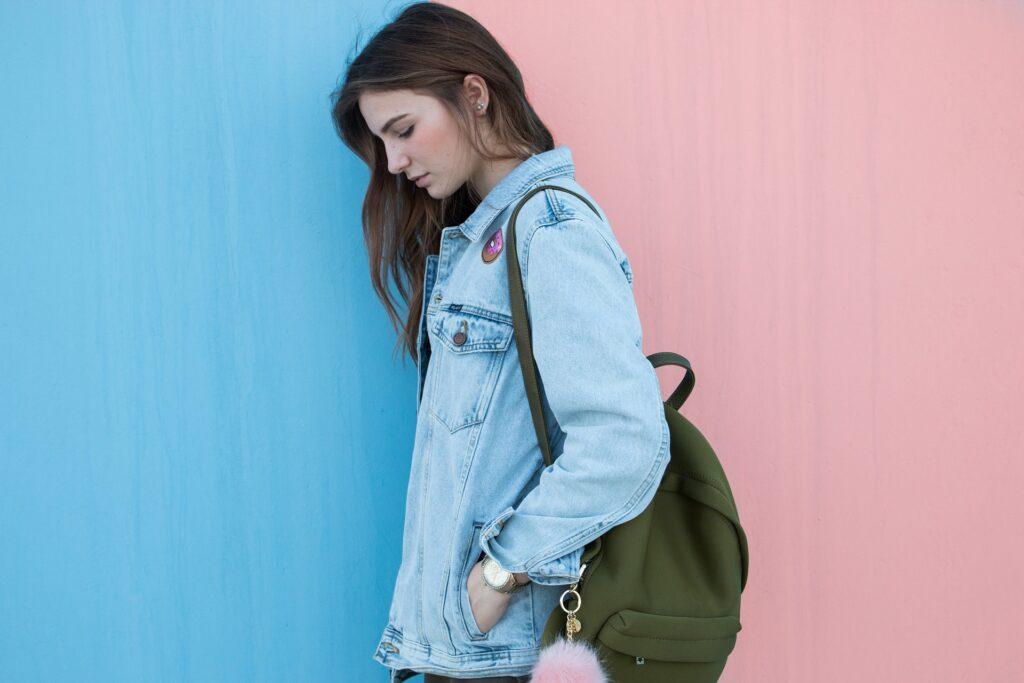 Jak wystylizować kurtki jeansowe