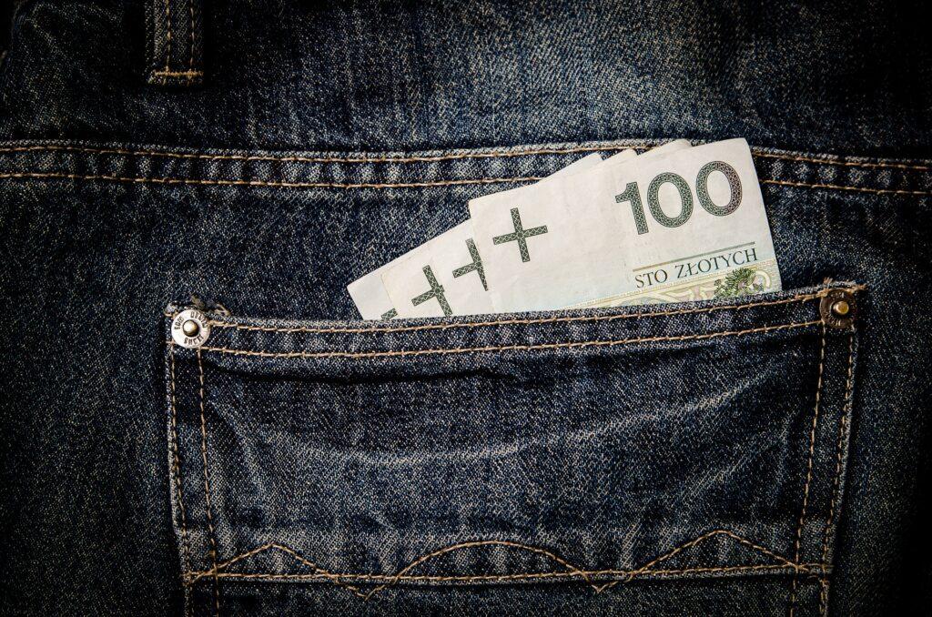 Dlaczego w dzisiejszych niepewnych czasach warto oszczędzać pieniądze