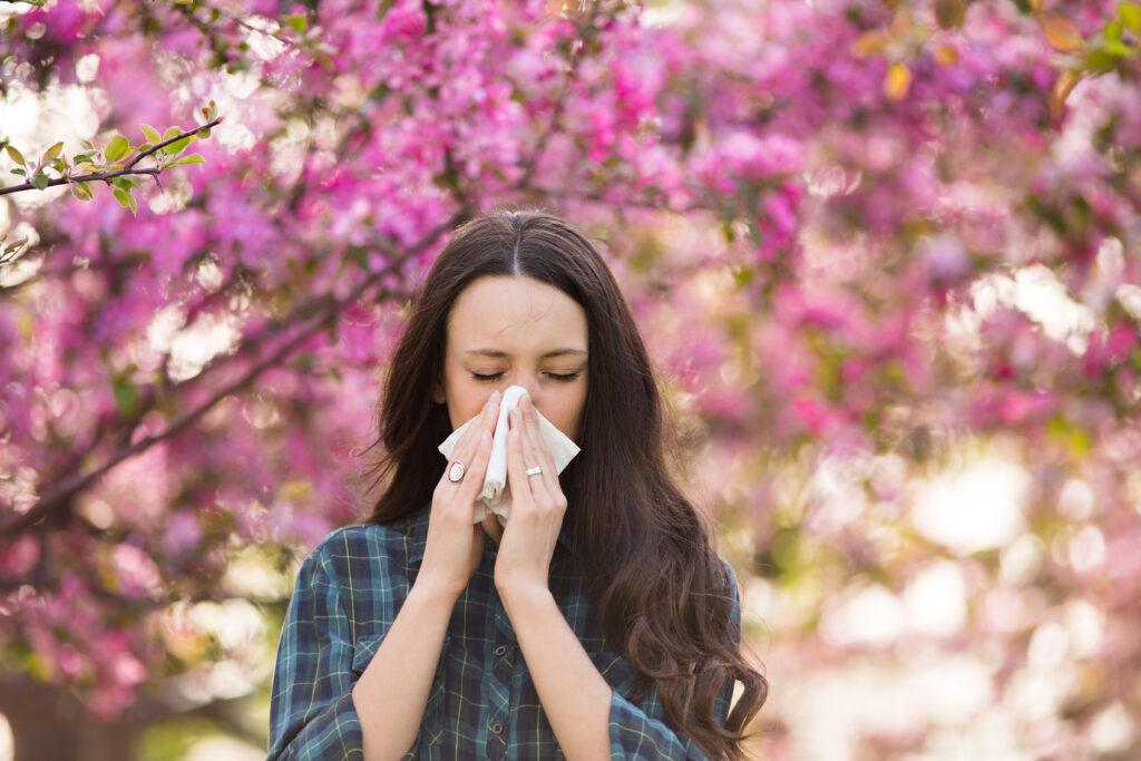 Jak sobie radzić z alergia sezonową