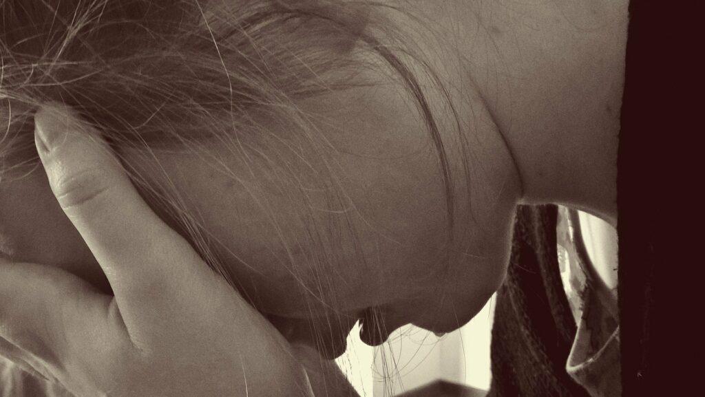 Dlaczego wciąż odczuwasz ból po rozstaniu