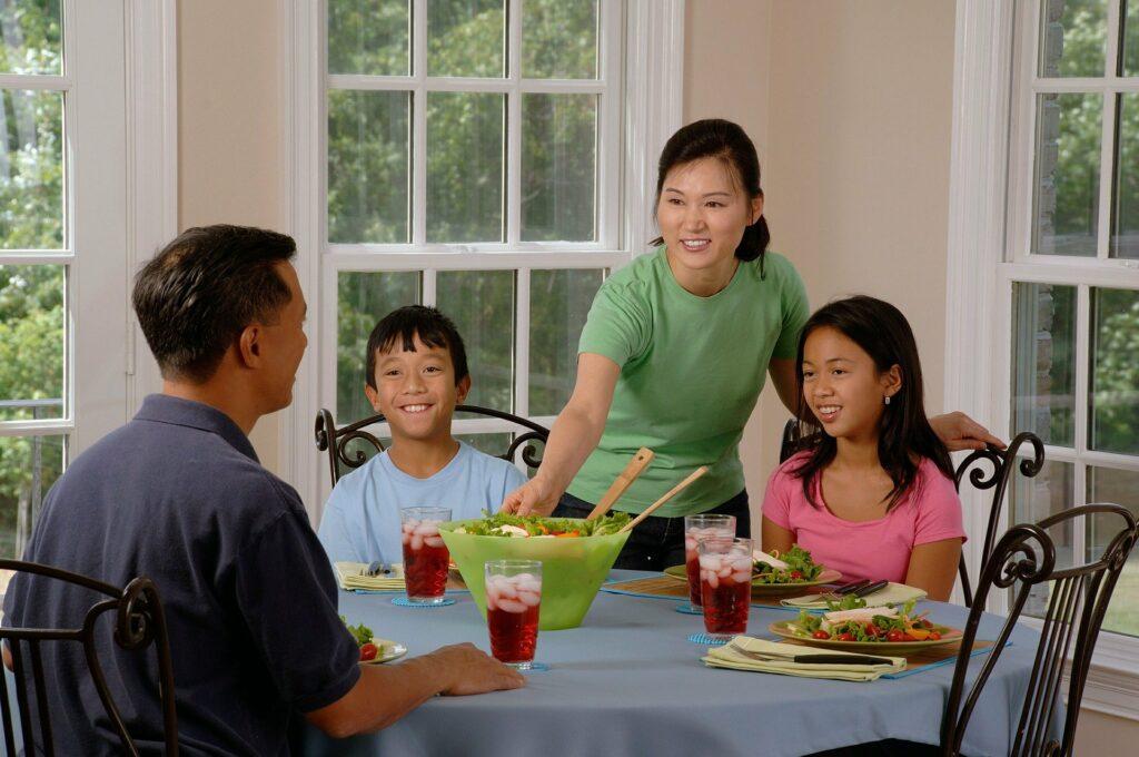 Oznaki, że twoja relacja z rodzicami nie jest zdrowa