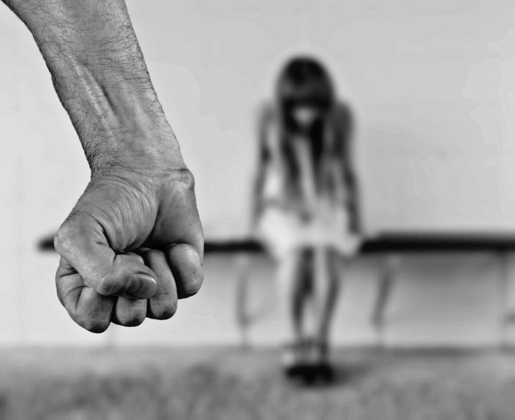Jak pandemia koronawirusa wpływa na życie ofiar przemocy domowej