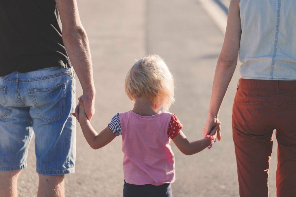 Czy przyjaźń między dzieckiem a rodzicem jest możliwa