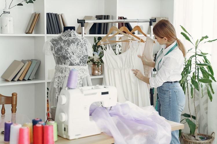 Najmodniejsze sukienki na wiosnę 2021
