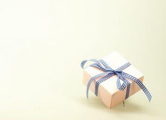 Co podarować mamie z okazji jej święta