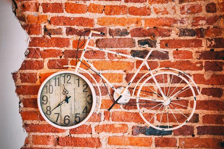 Zegary ścienne o oryginalnym designie